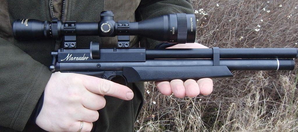 pistole cz taipan